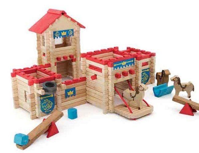 Zamek do budowania z 300 klocków