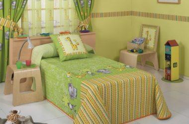 Narzuta na łóżko dla dziecka zielona zwierzątka