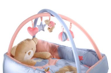 Mata do zabawy dla dziecka