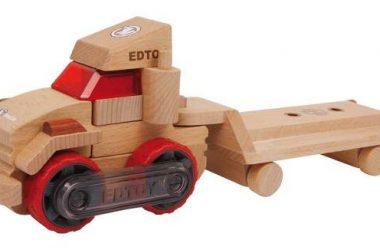 Drewniana ciężarówka z naczepą do zabawy dla dzieci