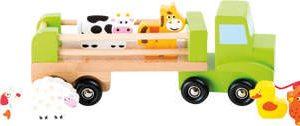 Drewniany samochód ze zwierzętami