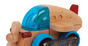 Drewniany samolot do zabawy dla dzieci
