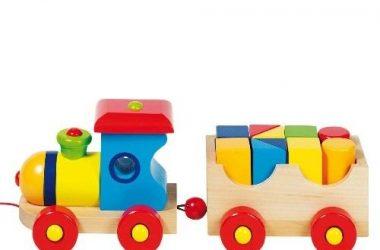 Kolorowy pociąg drewniany dla dzieci