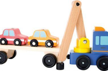 Drewniana laweta z dwoma autkami