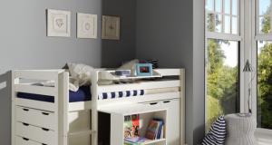 niskie łóżko piętrowe z biurkiem dla dzieci Pino