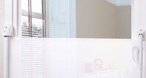 bramka na drzwi dla dzieci -składana barierka tekstylna CARETERObramka na drzwi dla dzieci -składana barierka tekstylna CARETERO