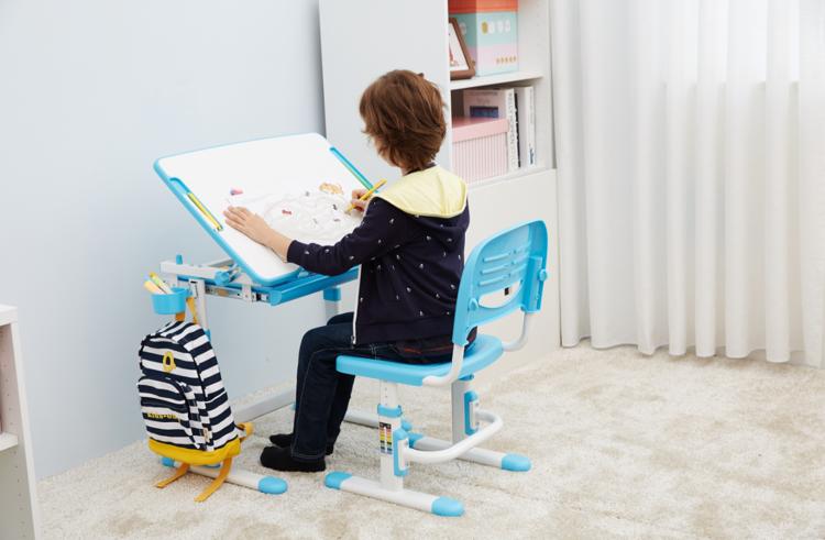 biurko dla przedszkolaka z krzesłem Vipack COMFORTLINE